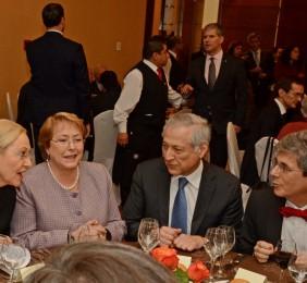 Benita Ferrero-Waldner, la Presidenta Michelle Bachelet, el Canciller Heraldo Muñoz y el Embajador Rafael Dochao