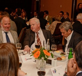 Embajador Osvaldo Puccio en el almuerzo