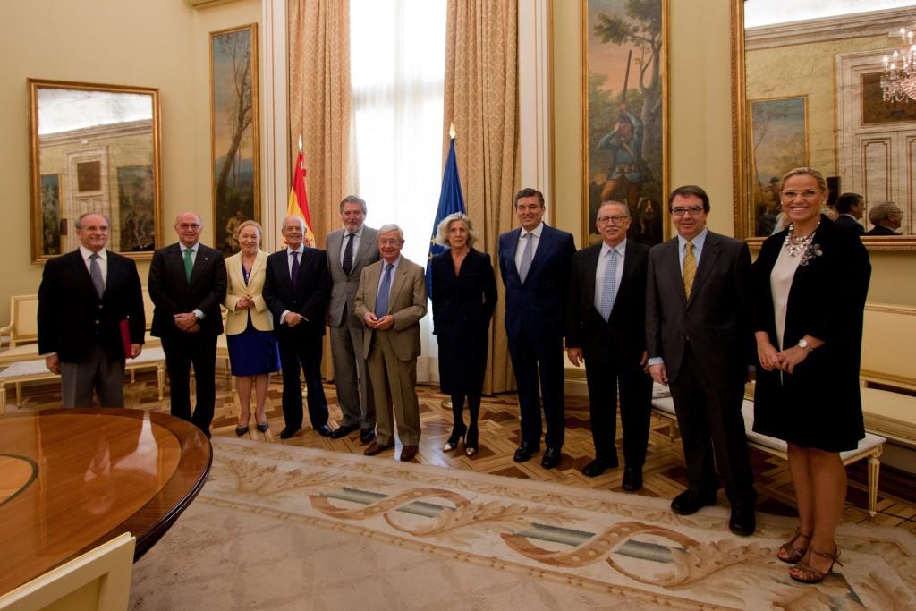 Español_Homenaje_Ministro_Educación01