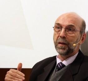 Carlos Abicalil durante su ponencia