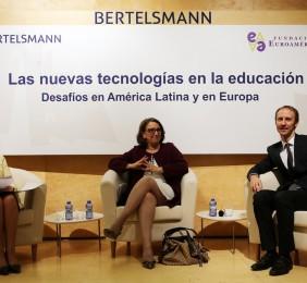 Sesión Apertura. Benita Ferrero-Waldner, Rebeca Grynspan y Marc Puškarić